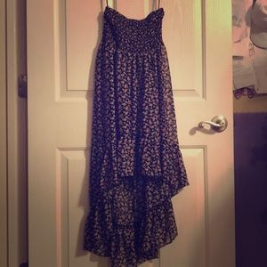 Sleeveless dress. High low lengths. Floral.